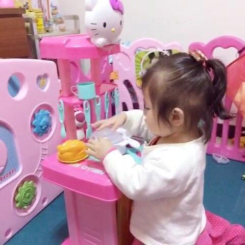 #宝宝#扮家家酒真好玩-视频宝宝-施又嘉的美视频华人在线图片