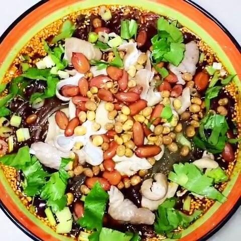 骨头粉。粉丝有:肥肠、猪材料、红薯粉、姜蒜朴镇的肥肠叫什么图片