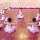 利娅舞蹈基地中国舞蹈家协会考级现场,看看我们的小公主到底有多可爱!萌哭我了简直!!!💗💗💗