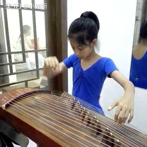 跳视频的小小芭蕾弹古筝山丹丹花开红艳艳的一女生响大规图片