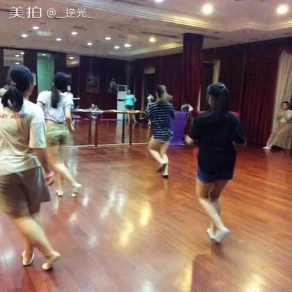 #爵士舞韩舞##爱舞蹈爱生活#一节课学跳两支舞 记忆有些凌乱 下次考核😄