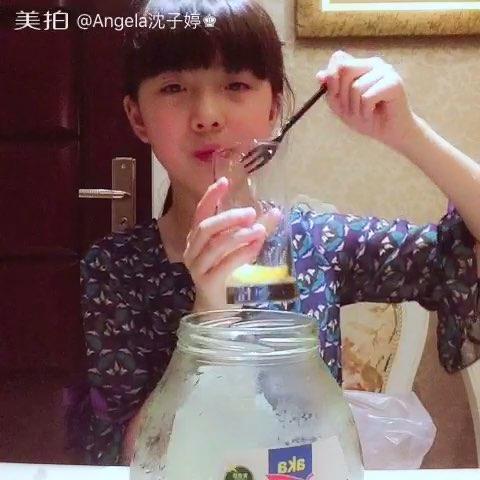 Angela沈子婷的蚕丝直播#直播吃饭##小龙虾历史视频套图片