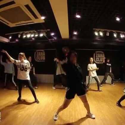 嘉禾舞蹈工作室 小新老师@Xin_万小新 Hiphop课程 got 7 fly| 嘉禾暑假班火爆进行中,想学最好看最流行的舞蹈就来嘉禾舞蹈工作室。报名热线:400-677-8696。微信账号zahaclub。网站:http://www.jiahewushe.com #舞蹈##嘉禾舞社##嘉禾#