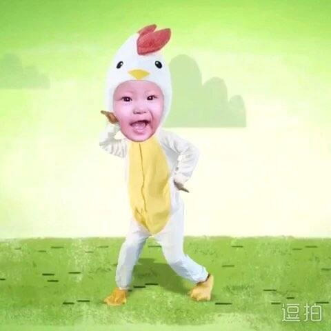 #逗拍玩起来#花朵小鸡舞 哇哈哈#搞笑宝宝##