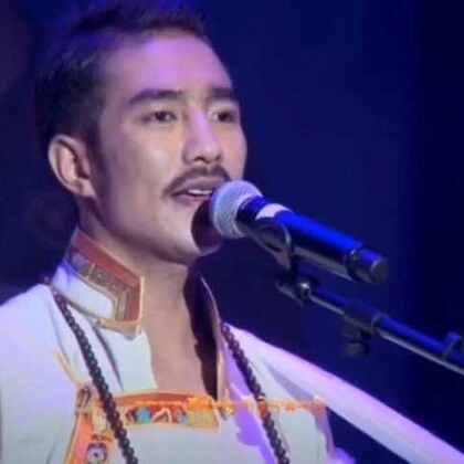 藏族歌手德格叶的美拍