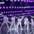 EXO-演唱会版Monster💫官方版不要太帅啊!#EXO##吴世勛_##舞蹈##美拍新晋导演#