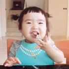 #可爱吃货小萌妞##吃货小蛮#这顿早餐是一周前录的。那时#小蛮一岁八个月#