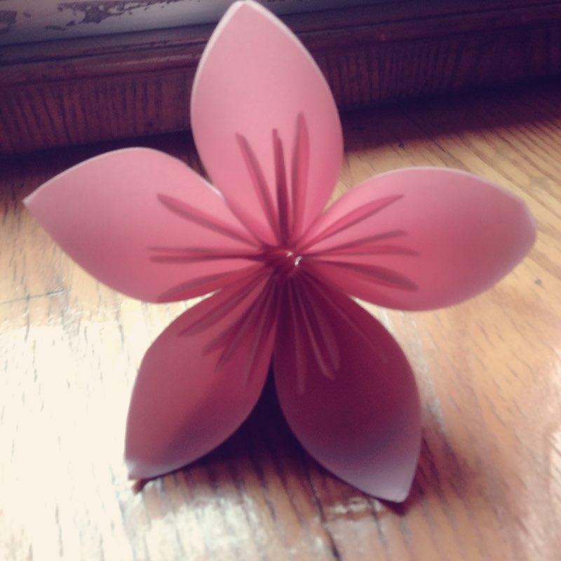 10-02 11:12                     #手工折纸# 自己学做的樱花