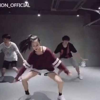 传一个当初在#1million dance studio#里面录的视频😁😁😁