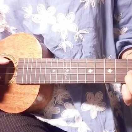 弹吉他唱儿歌的gly的美拍 - 191个美拍短视频