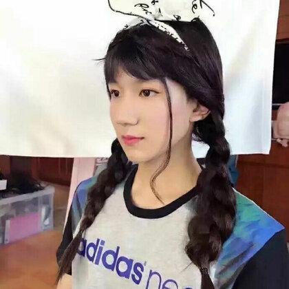 刘星在眨眼的美拍图片