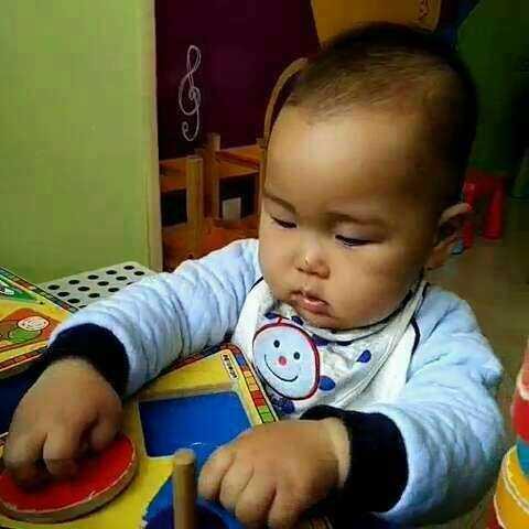 #宝宝##团团十八个月#来上早教课了#团团在红