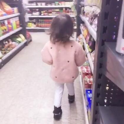 最近两娃都病泱泱的很久没有更新美拍。明天圣诞节了带Shelba出来Shopping。祝大家节日快乐#宝宝#