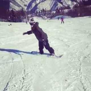 每年都化的雪 今年就在家好好养胎了 , 这是去年这个时候和闺蜜在日本两个人的🎿 #滑雪##单板滑雪##日本滑雪##日本##女神#