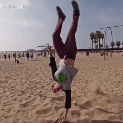 Slackline Tricks and Backflips at Muscle Beach in 4K