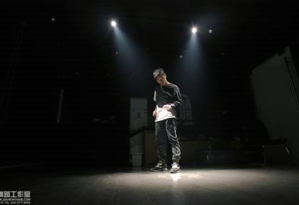 北京嘉禾舞社 @嘉禾舞社望京店 @云杰Van @EvenWong_ @韦健WillJay — Freestyle | 想学最好看最流行的舞蹈就来嘉禾舞蹈工作室。报名热线:400-677-8696。微信账号zahaclub。网站:http://www.jiahewushe.com #舞蹈##嘉禾舞社##嘉禾#