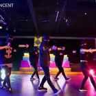 非常好的作品来自#Rmb#编舞师@RMB-赵毅Joe !和我一样从poppin转的,这只#舞蹈#编拍层次很清晰,超Cool,大家多多支持#Jow Vincent#分享@RMBCrew