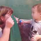 😄Play games with his Grandma!玩游戏和奶奶。#随手美拍##宝宝#