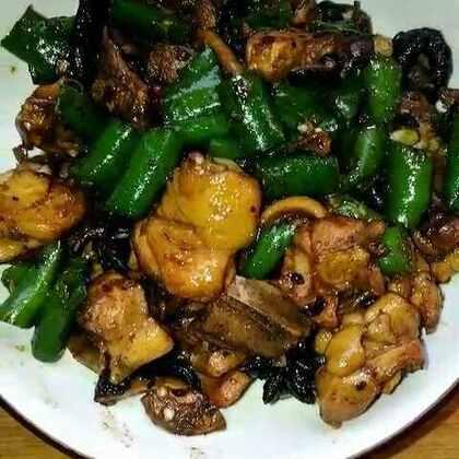 #美食##家常菜#辣炒鸡腿,芹菜炒肉炖粉条,香死我了。#在家的日子#