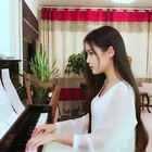 #音乐##女神##小幸运#原来你是我最想留住的幸运 ⭐ 还想听什么歌?留在评论下,下次弹点赞数最多的那首 🙈