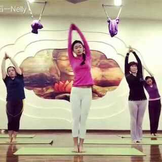 你以为瑜伽全都是很缓慢很安静的吗?NO,你错了😁,唯雅原创有氧瑜伽,让瑜伽变得与众不同,有趣味,又超级减肥,来,跟着雪儿老师一起操练起来,你学会了吗?#有氧运动##减肥瑜伽##瑜伽#