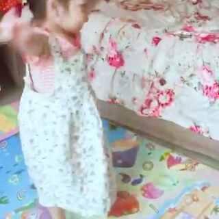 #宝宝##宝宝转圈圈#晕了晕了😭