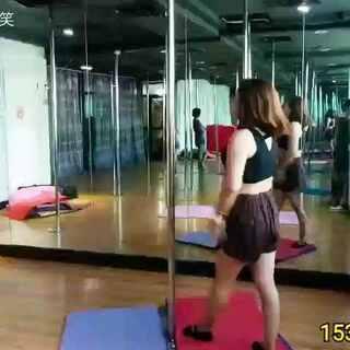 #鸭梨酱啊啊啊##钢管舞#钢管舞技巧动作练习