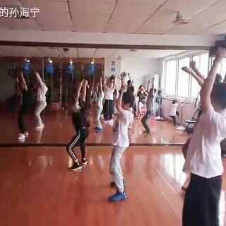#宝宝##电音舞samsara##爵士舞#课堂练习,小朋友跳的都挺拼命😃😃😃