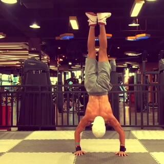 #运动##美拍运动季#Do it 尽自己的一份力量 最好的状态大概就是 默默努力 值不值 时间是最好的证明。