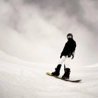 @王瑶古筝#滑雪##我要上热门##单板滑雪##精选##美拍虐狗情侣档#长白山天池#@我们爱旅行 @动旅游-背包去环游