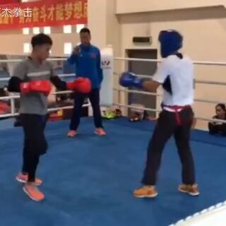 #拳击##运动##健身#台上实战第二回合续!多多关注,点赞!
