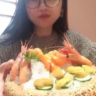 #我要上热门##全民吃货拍##吃秀#💋中午吃日本料理!老板又要哭了吧!三文鱼.北极贝海胆!生蚝.甜虾。串虾.开背虾!几十份起吃!