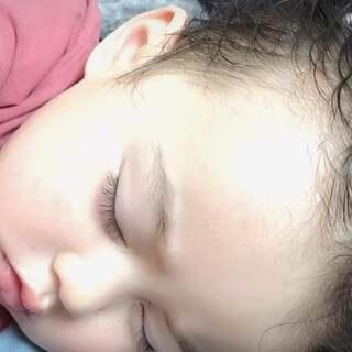 #萌宝宝#我的小恶魔 最近睡觉总是满头大汗