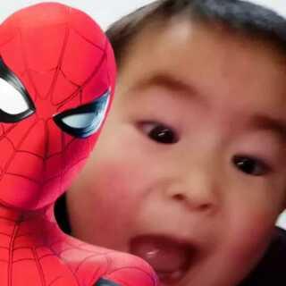 #全民偶遇蜘蛛侠##带你去旅行(偷耳机版)#