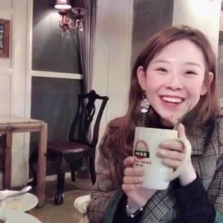 #吃秀##日志#下午茶时间到~华夫饼 ➕黑咖啡➕意大利面➕薯条🍟 哎呀终于能更新了~~好想你们!! 点赞的宝宝接下来一切顺利顺利 ❤