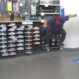 #波比老师的滑板课# 第六课: 如何Ollie(豚跳)。在评论里你们可以告诉我,你们想要学什么滑板动作?#迪卡侬滑板课##滑板# @迪卡侬滑板运动Oxelo