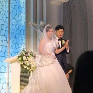 神圣的婚礼殿堂💒💕也是第一次以自己的名义参加婚礼🙉 祝美美的潇潇姐幸福永远👰💐 #最美婚礼瞬间#