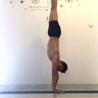 #瑜伽##倒立##运动#还要加把劲