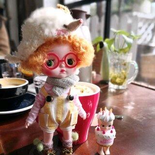 超可爱的holala娃娃国内设计师大大出品可爱的不要不要的,上个的工资接了月球,改妆进行中,放毒放毒啦,我们都爱holala🌸🌸🌸😍#blythe##bjd##娃娃#