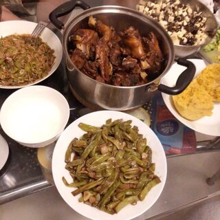 老爸在家做饭🙈又…没法减肥了#宠物##吃货##美食#