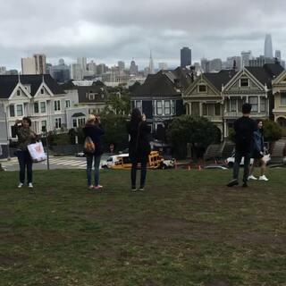 旧金山Alamo Square六姐妹房子,好多狗狗,超可爱的👑🐶#宠物##美国旅行##旧金山#