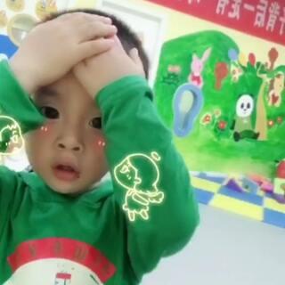 一脸懵逼的宝宝。#宝宝#