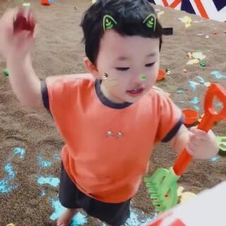 #宝宝##臭屁果25个月+#游乐园玩一玩🐥